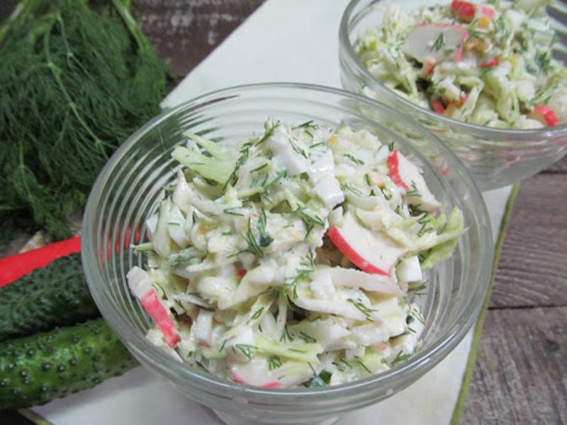 Крабовый салат с редисом