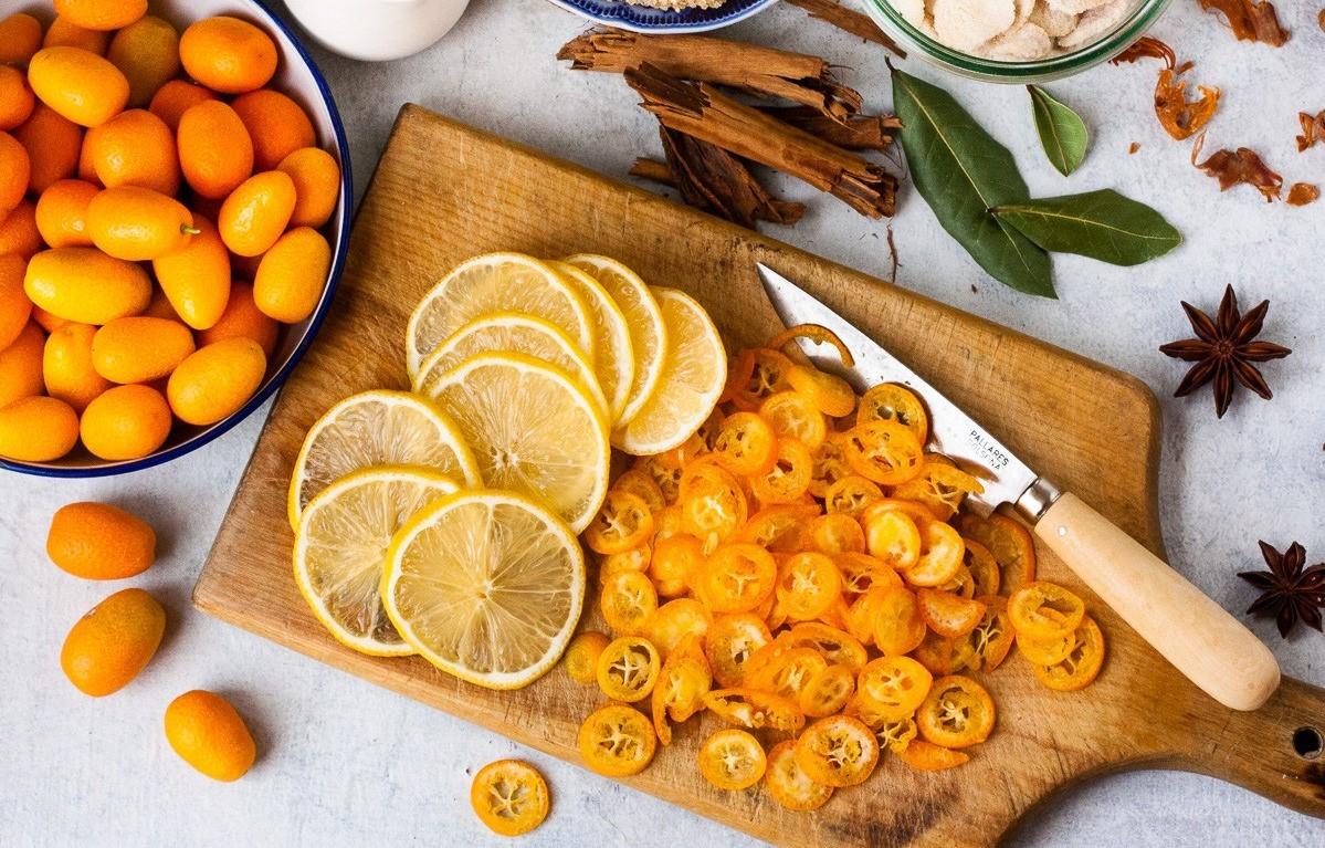 Плоды фортунеллы и лимона
