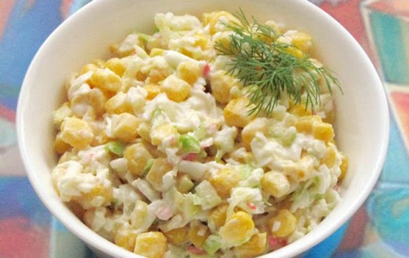 Салат «Тирольский» из свежей капусты